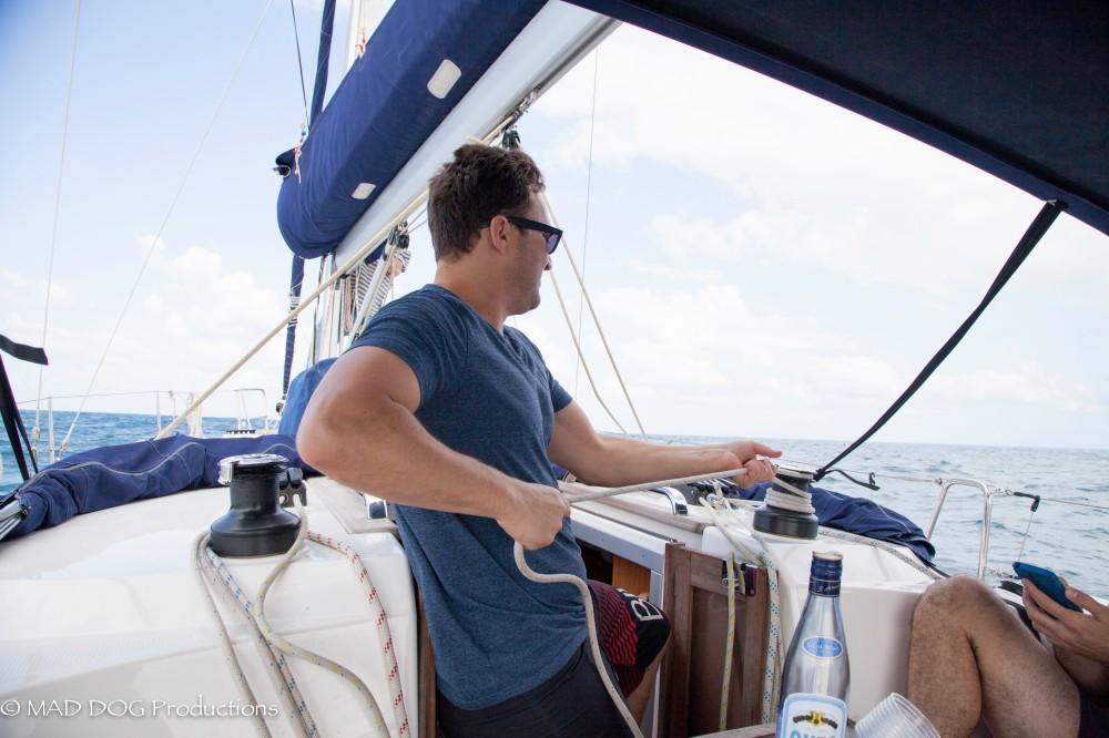 Sailing 2-4672
